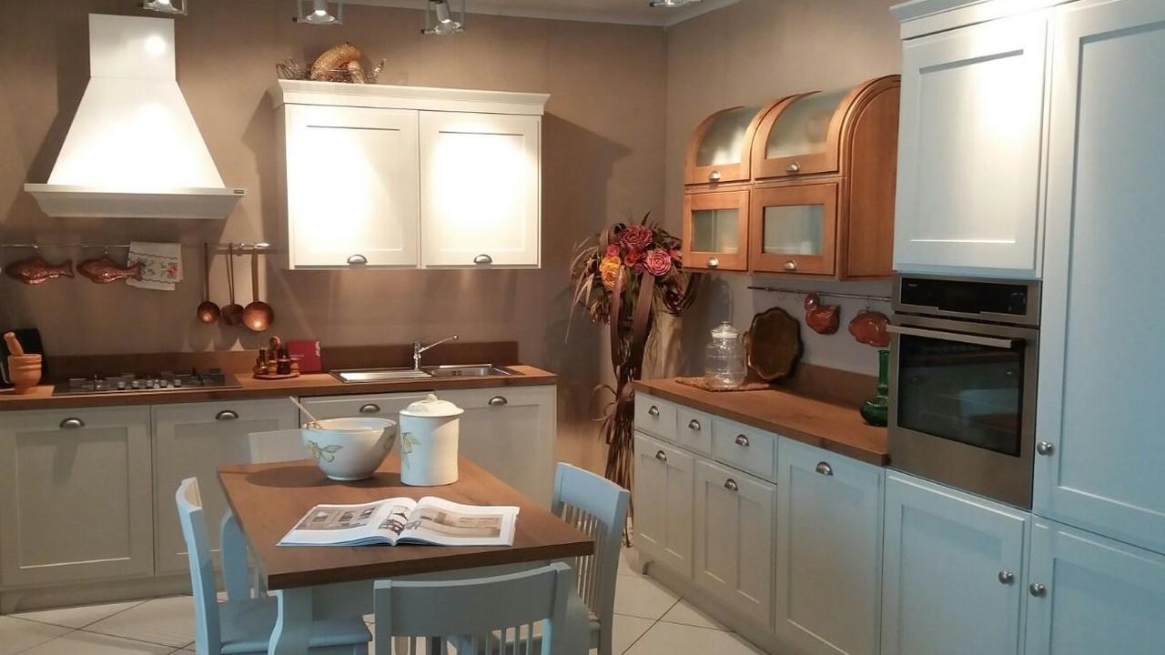 Govi arredamenti i nostri prodotti govi arredamenti cucine classiche cucina favilla - Cucine classiche scavolini ...